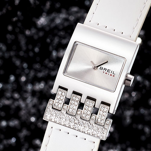 thumb-watch-photography-breil_1577968536.jpg